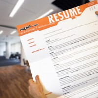 Snag A Job – Giant Resume